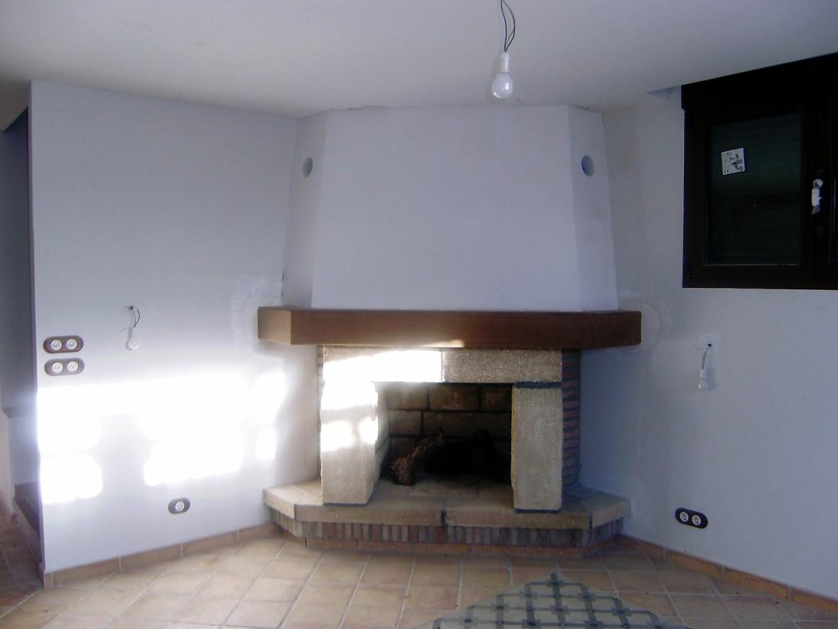 Interior detalles de la chimenea